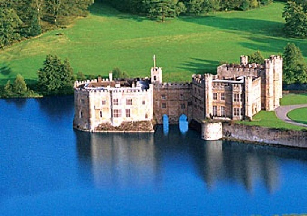 images for (A5) Leeds Castle, Canterbury and Dover tour
