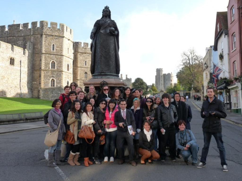 Students tours  to (A4) Windsor, Bath and Stonehenge