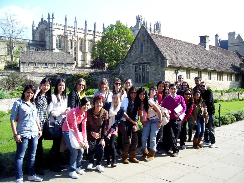 Students tours  to (B1) Cambridge and Oxford